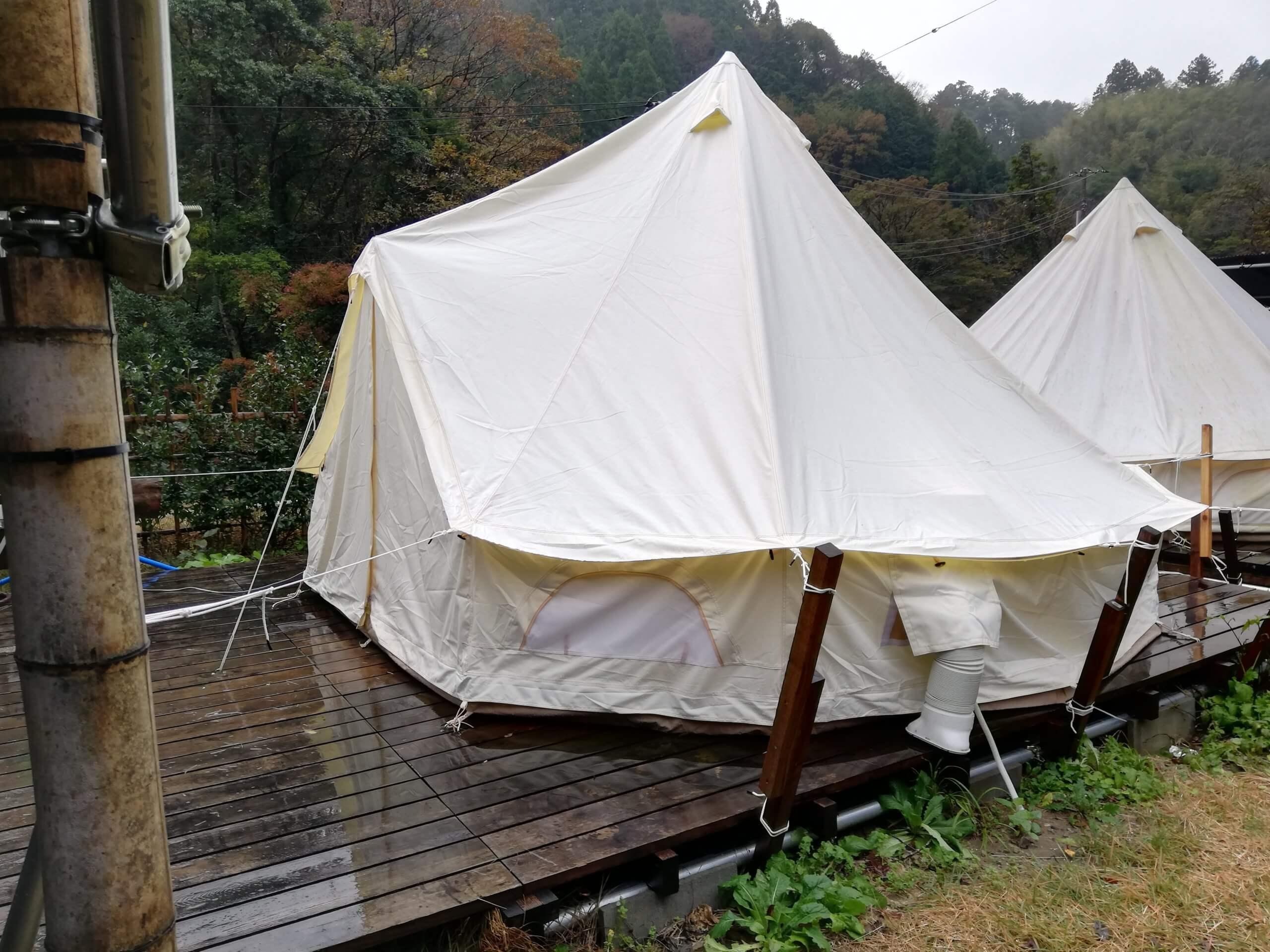 泊まるテント